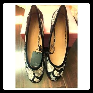 Zara NEW flower print flats
